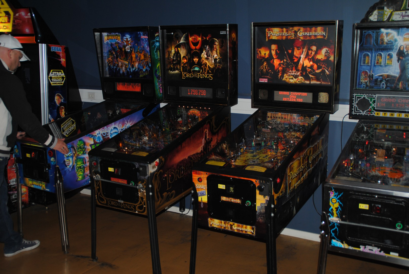 Monster bashm Lord Of The Rings , Pirates Of The Caribbean and Addams Family Pinball games / At Liseberg Fun Fair