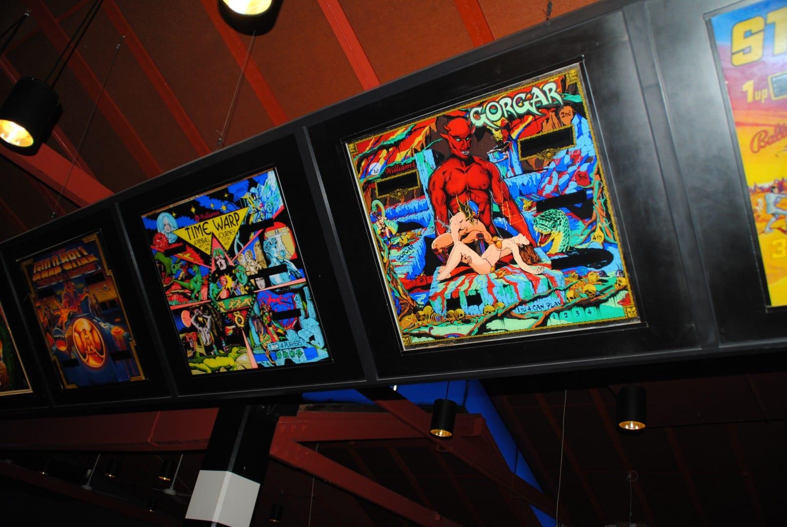 Glass mounts of old classics / At Liseberg Fun Fair